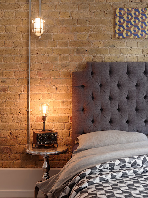 warehouse brick wall bedroom من homify إنتقائي طوب