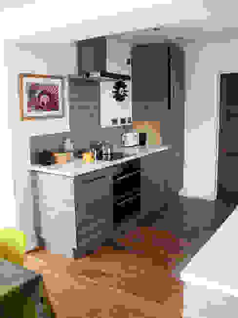 Kitchen Modern kitchen by dwell design Modern