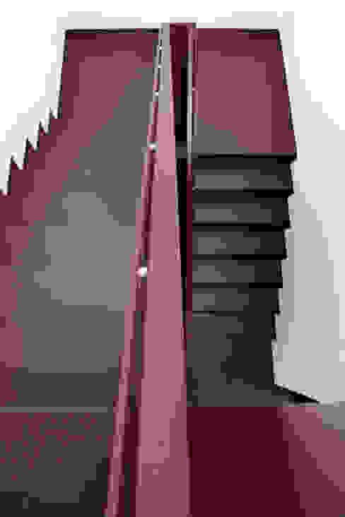 Treppenhaus Fichtner Gruber Architekten Moderner Flur, Diele & Treppenhaus