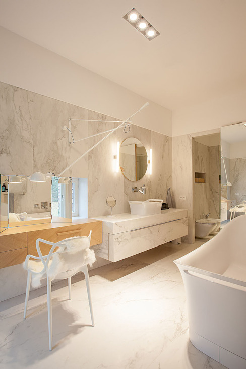 Eclectic style bathroom by oyster Eclectic