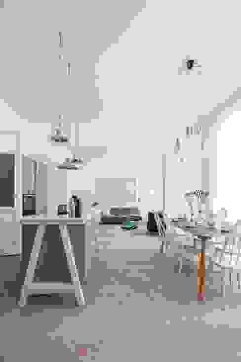 مطبخ تنفيذ destilat Design Studio GmbH,