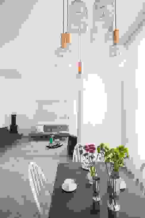 من destilat Design Studio GmbH حداثي