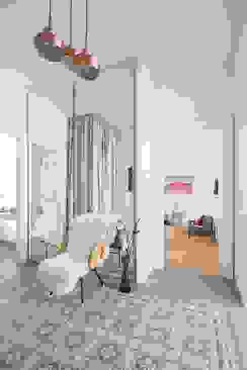 Modern corridor, hallway & stairs by destilat Design Studio GmbH Modern