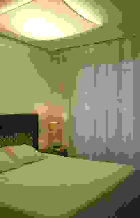 Dormitorios de estilo ecléctico de daniela kuhn arquitetura Ecléctico