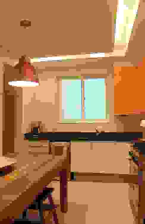 Cocinas de estilo moderno de daniela kuhn arquitetura Moderno