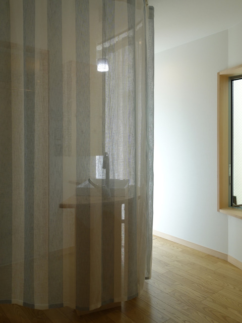 深沢の家 小形徹*小形祐美子 プラス プロスペクトコッテージ 一級建築士事務所 モダンスタイルの 玄関&廊下&階段