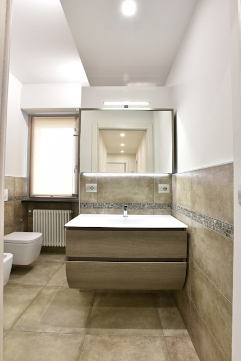 Modern bathroom by architetto Davide Fornero Modern Ceramic