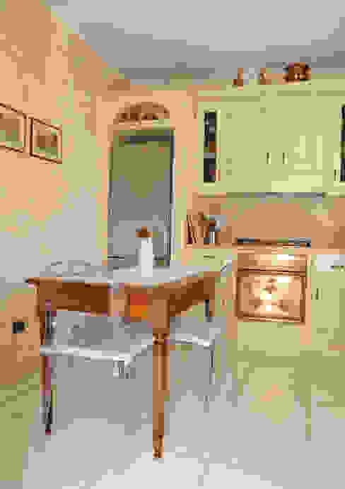 مطبخ تنفيذ L'Antica s.a.s.