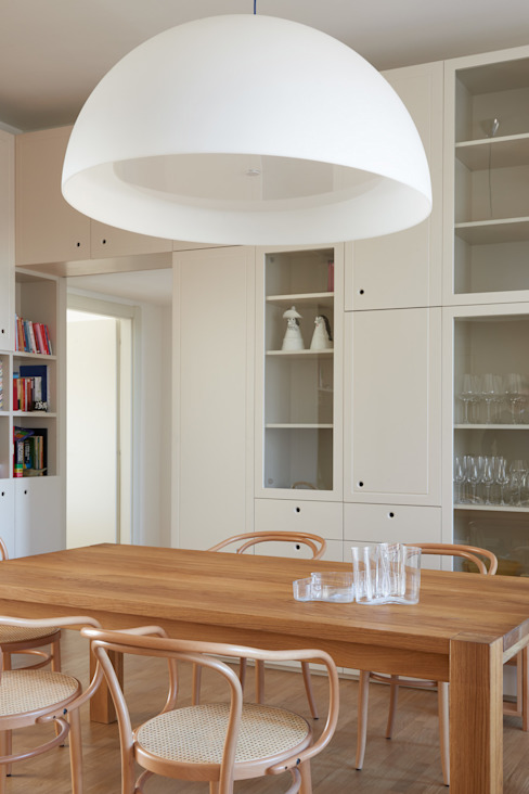 Modern dining room by disegnoinopera Modern