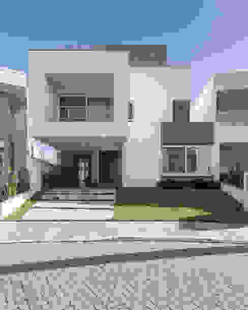 現代房屋設計點子、靈感 & 圖片 根據 K+S arquitetos associados 現代風