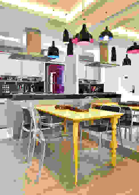 de Move Móvel Criação de Mobiliário Moderno Madera maciza Multicolor