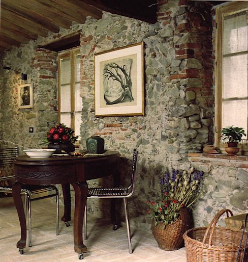 Casa in borgo antico Studio Ad.G.G. Sala da pranzo in stile rustico