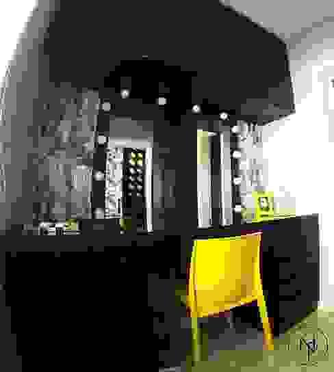 Suite garota Rock'n Roll Natália Pelegrini - Arquitetura e Interiores Closets MDF Preto