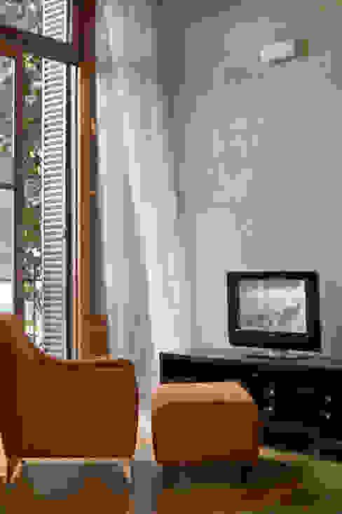 Salas / recibidores de estilo  por Arquitecta MORIELLO