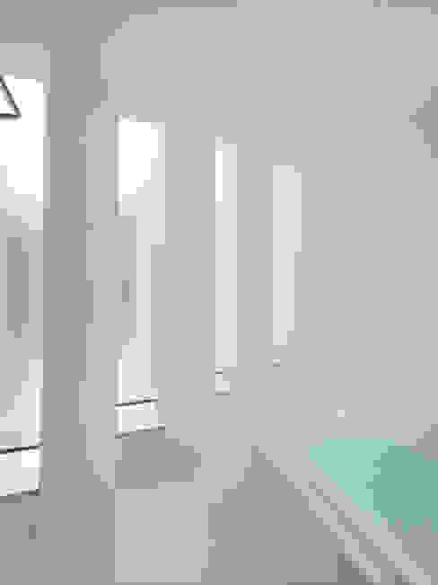 Phòng tắm phong cách hiện đại bởi 藤原・室 建築設計事務所 Hiện đại