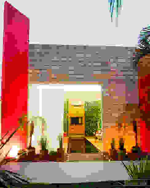 現代房屋設計點子、靈感 & 圖片 根據 SET Arquitetura e Construções 現代風