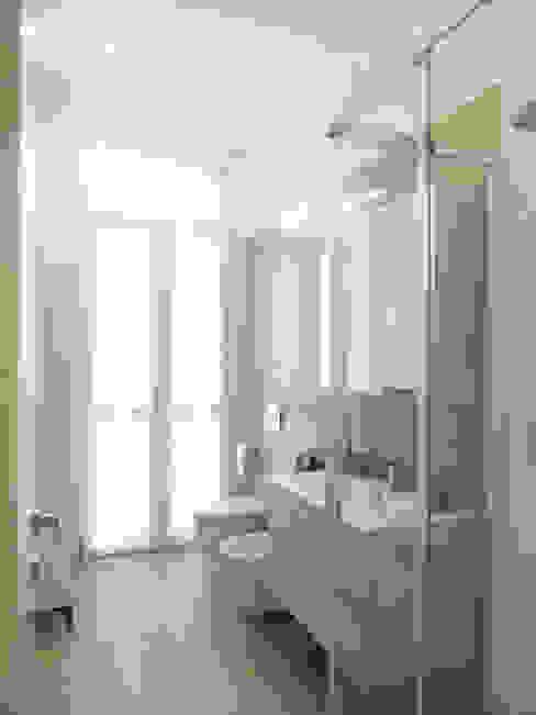 bagno_03 Bagno moderno di M2Bstudio Moderno