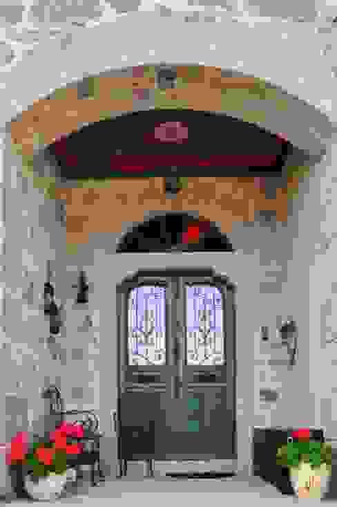 Ebru Erol Mimarlık Atölyesi Akdeniz Pencere & Kapılar homify Akdeniz