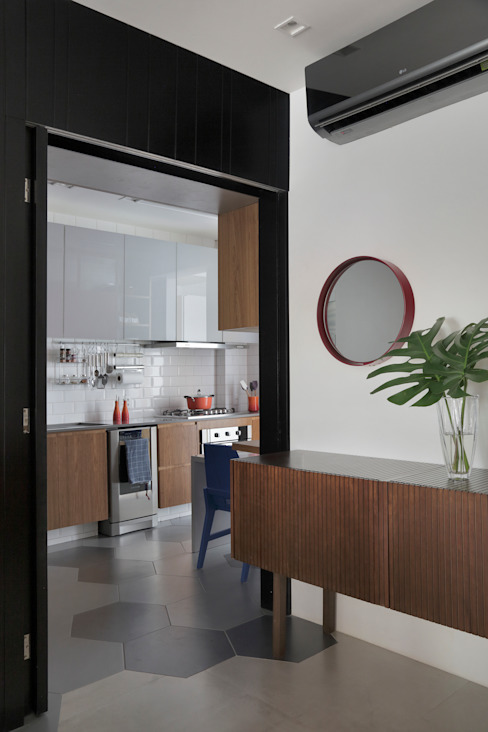 Modern kitchen by PKB Arquitetura Modern