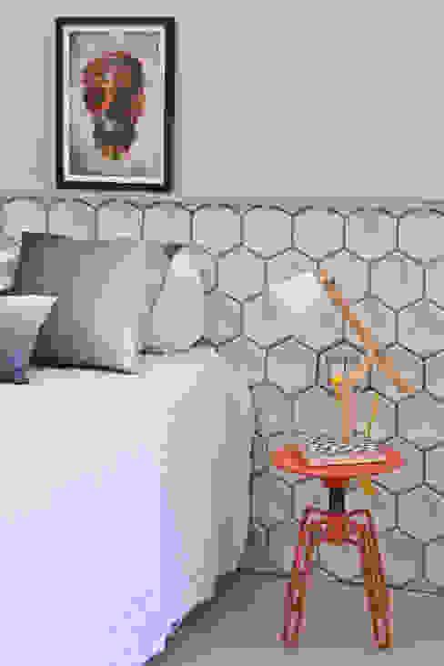 PKB Arquitetura Modern style bedroom
