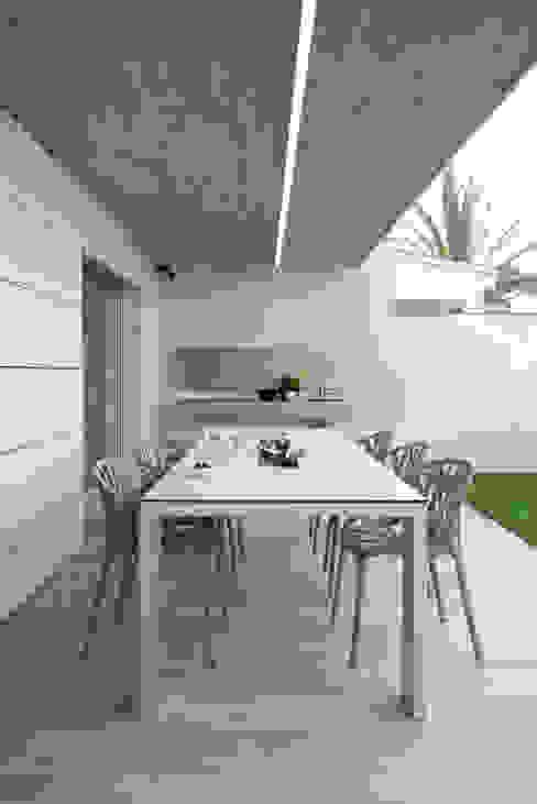 Jardines de estilo  por HD Arquitectura d'interiors, Minimalista