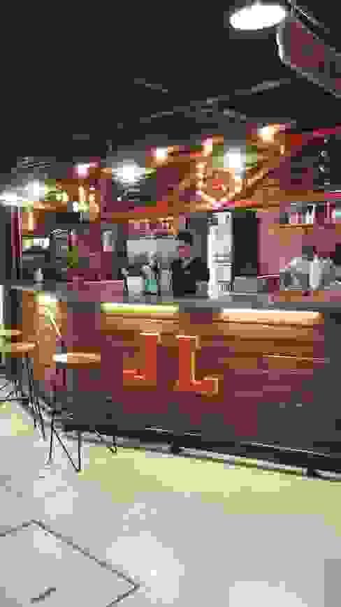 JUICY LUCY _ Mercado del Río: Cocina de estilo  por @tresarquitectos,