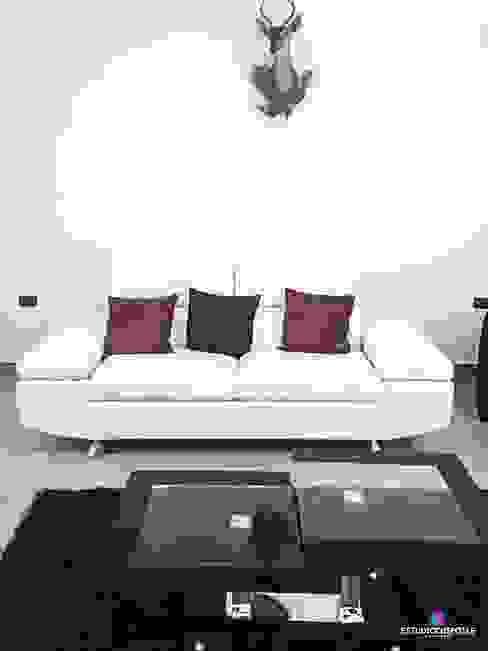 Minimalist living room by Estudio Chipotle Minimalist