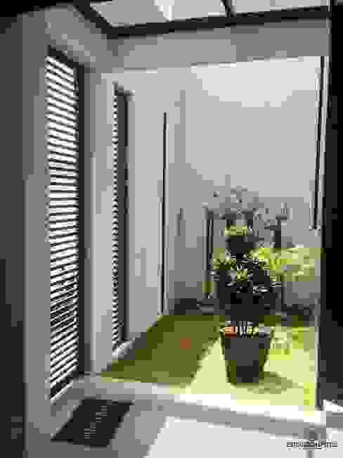 Minimalist style garden by Estudio Chipotle Minimalist