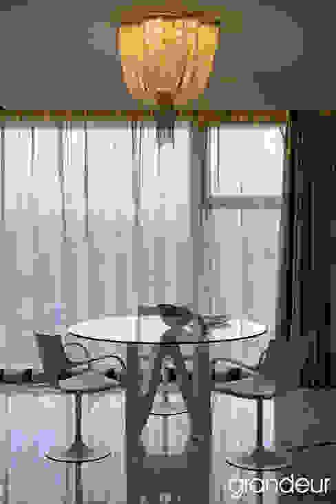 Villas Modern dining room by Grandeur Interiors Modern