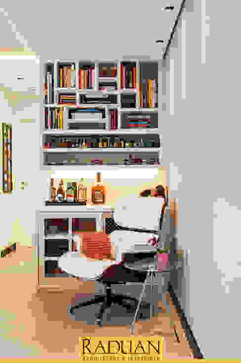 Detalhe Marcenaria Raduan Arquitetura e Interiores Sala de estarArmários e arrumação