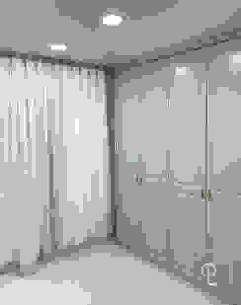 Ruang Keluarga oleh 캐러멜라운지, Modern