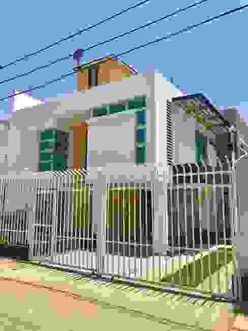 Italian House: Casas de estilo  por Alta Gama Arquitectos , Moderno
