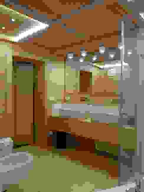 Mariapia Alboni architetto Modern bathroom