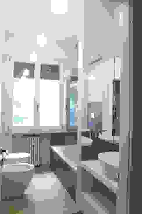Casa Ellecì Bagno moderno di SuMisura Moderno