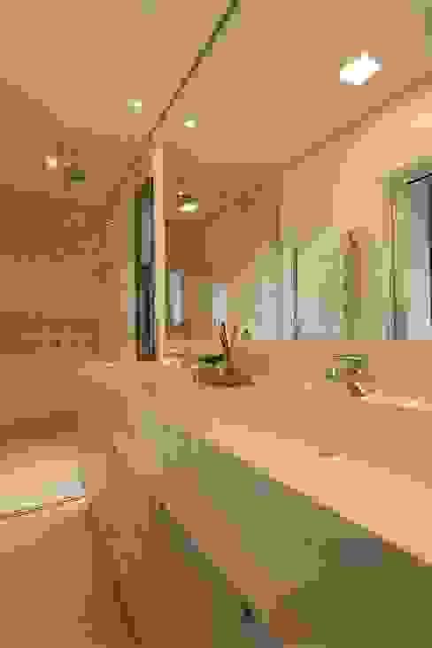 Ванные комнаты в . Автор – Del Nero Da Fonte Arquitetura,