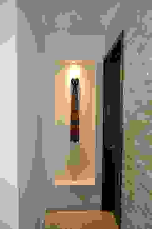 Nicho Paredes y pisos de estilo moderno de ANTARA DISEÑO Y CONSTRUCCIÓN SA DE CV Moderno Arenisca
