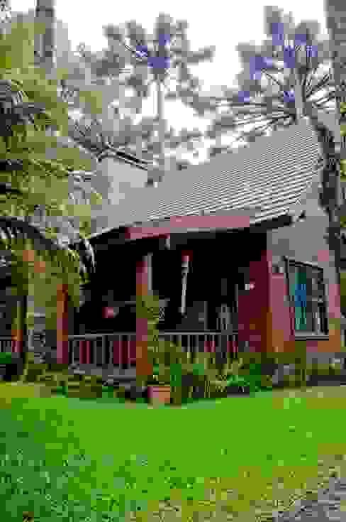 Casa Pinus Casas rústicas por CABRAL Arquitetos Rústico Madeira Efeito de madeira