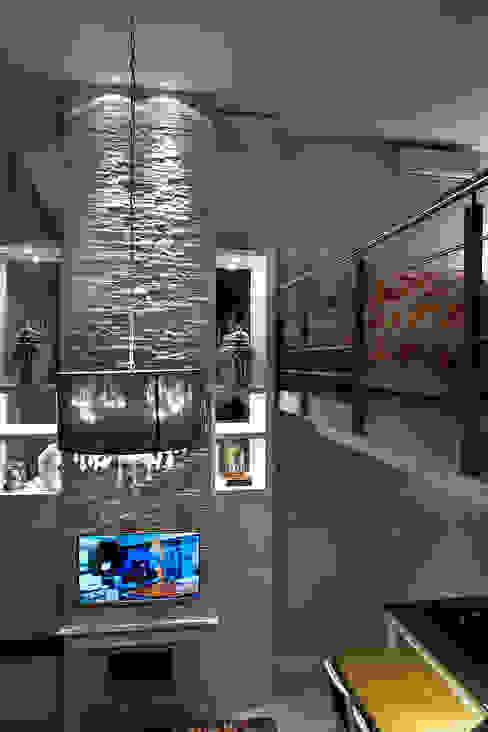 Modern Media Room by Fabiana Mazzotti Arquitetura e Interiores Modern