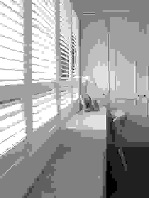 Klasyczna sypialnia od 構築設計 Klasyczny