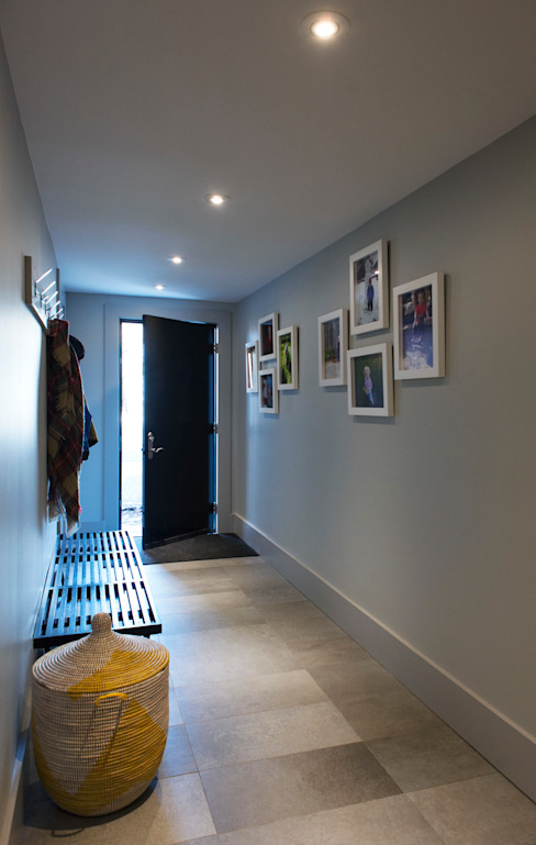 Elgin Loft Modern Corridor, Hallway and Staircase by Solares Architecture Modern