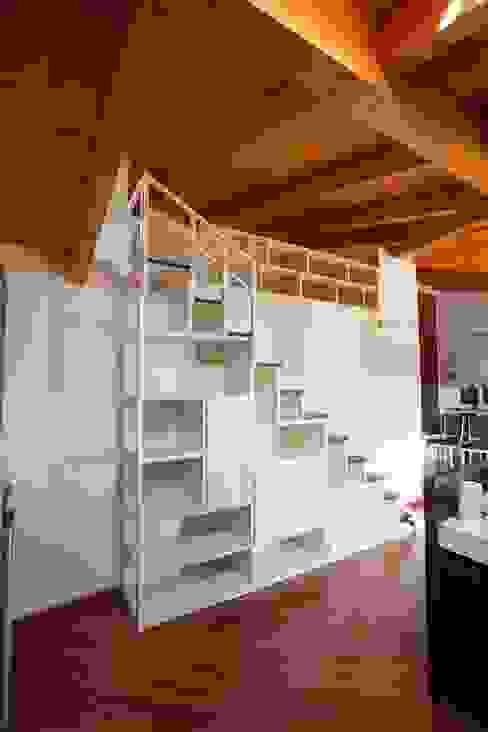 Eclectische woonkamers van Falegnameria Grelli Danilo Eclectisch