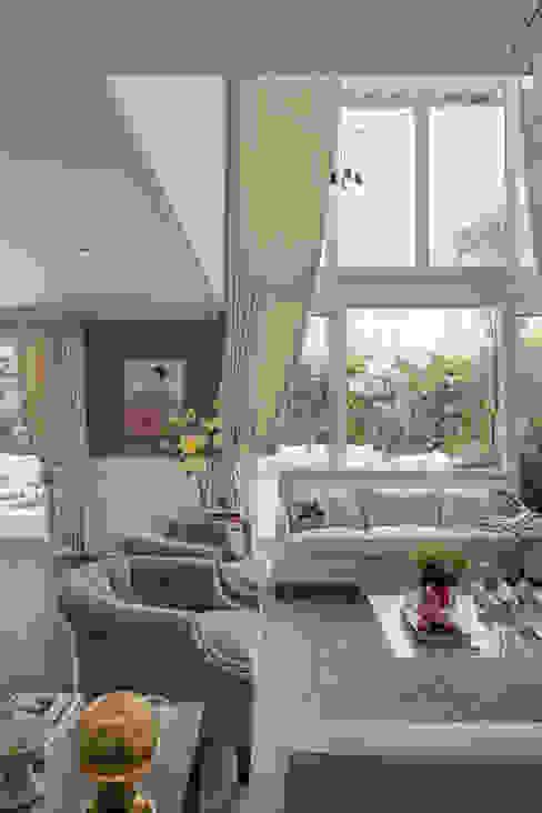 Wohnzimmer von MAAD arquitectura y diseño, Klassisch