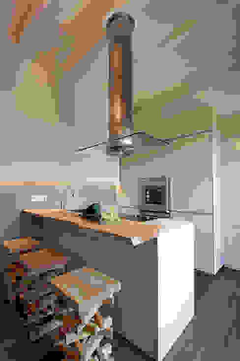 Cuisine moderne par Luisa Fontanella architetto Moderne