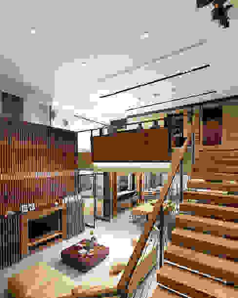 Juxta Interior Pasillos, vestíbulos y escaleras de estilo tropical