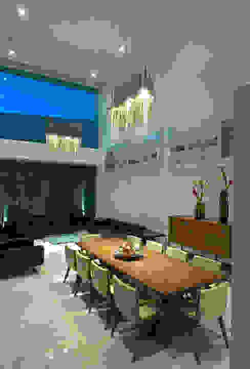 Estancia-Sala-Comedor Casa EM Comedores minimalistas de TaAG Arquitectura Minimalista