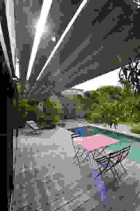 Balcones y terrazas mediterráneos de Atelier Jean GOUZY Mediterráneo