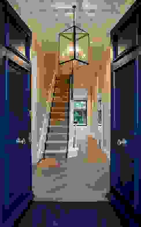 Barnes: Front Door & Entrance Hall:  Corridor & hallway by Studio K Design,