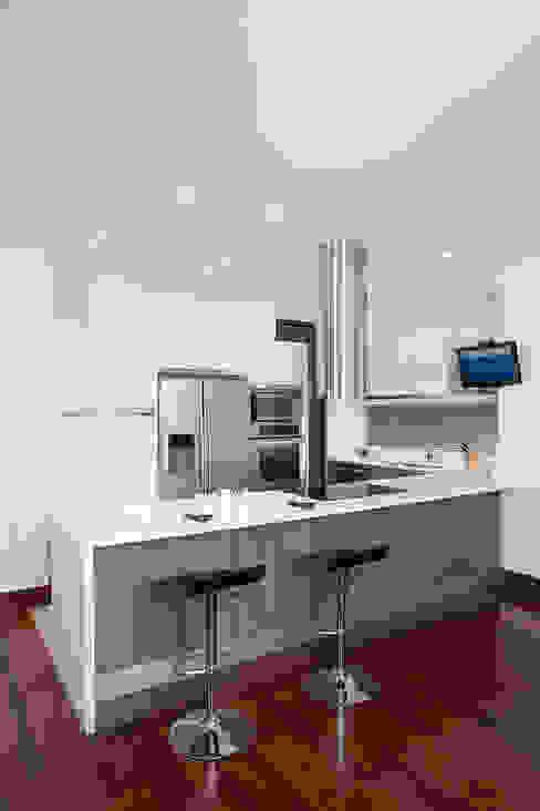 Modern Kitchen by ATELIER CASA S.A.S Modern