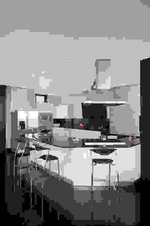 Cocina Armony - Proyecto terminado Atelier Casa: Cocinas de estilo  por ATELIER CASA S.A.S,