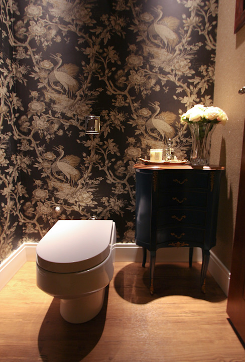 Modern Bathroom by Pavesi Arquitetura Modern